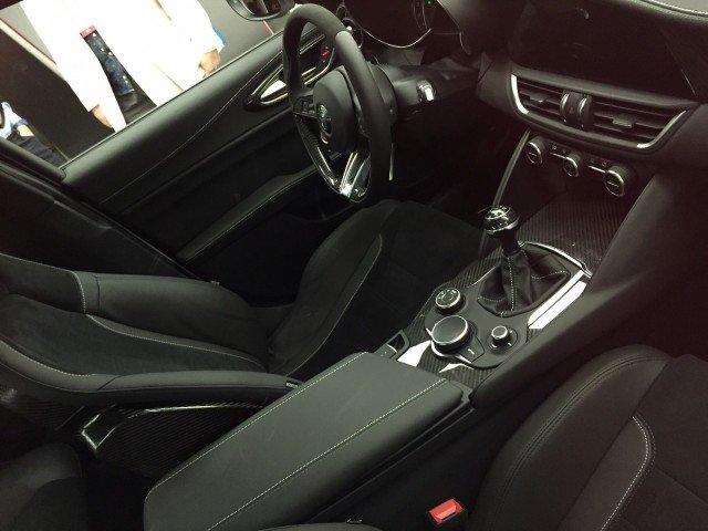 Alfa-Romeo-Giulia-Quadrifoglio-2015-02